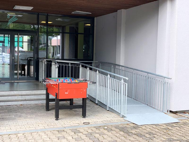 handwerker-stuttgart-remsmurr-welzheim-barrierefrei-eingang-schule-001